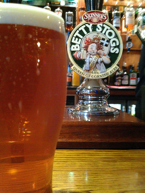Ale Review – Betty Stogs from Skinner's Brewery