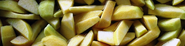 sliced apple