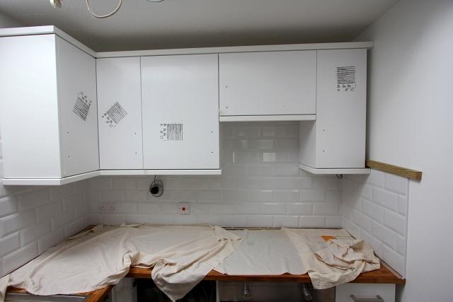White Brick Tile White Grout