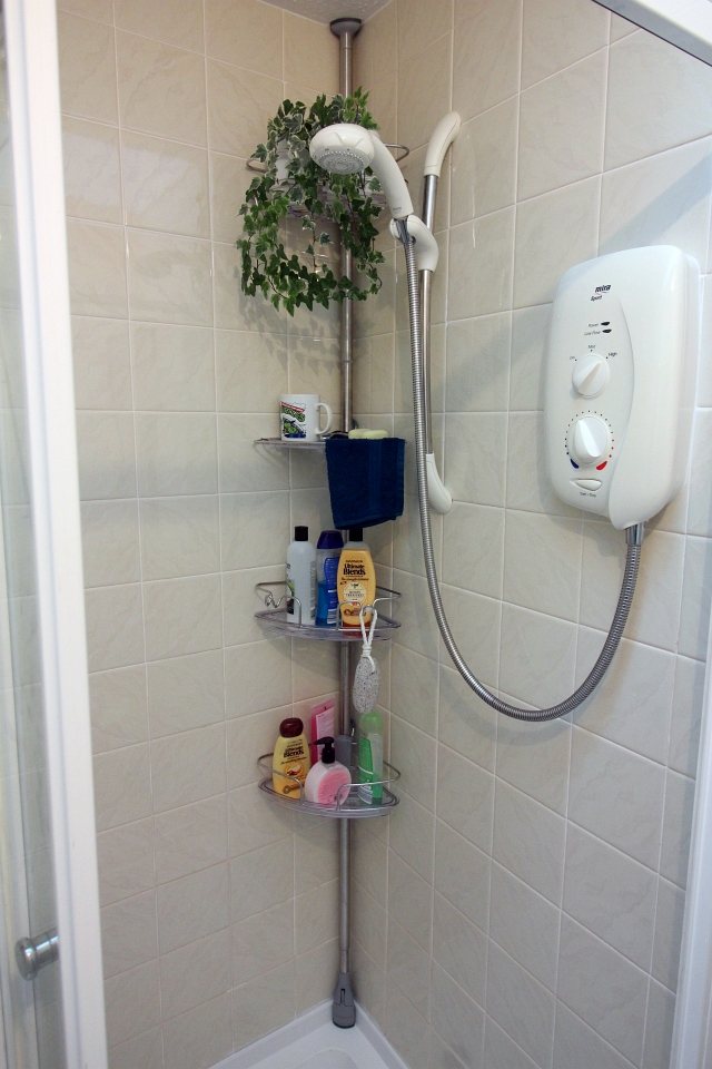 shower-caddy-oxo