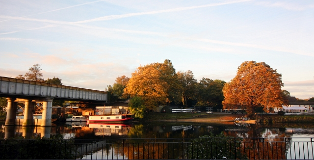 mecure-hotel-staines-river-view