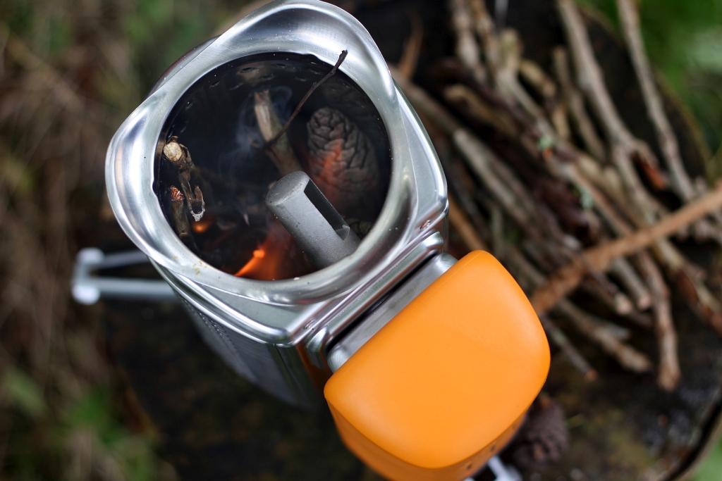 BioLite Campstove 2 Flame Fire
