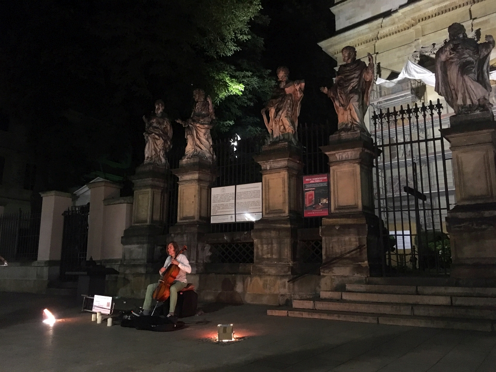 Krakow Cello player Busker