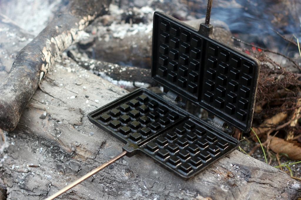 Petromax Waffle Iron Campfire