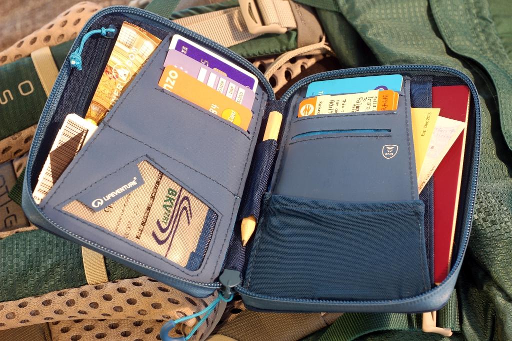 Lifeventure Travel RFID Wallet