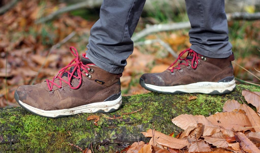 Teva Hiking Boots ARROWOOD UTILITY MID